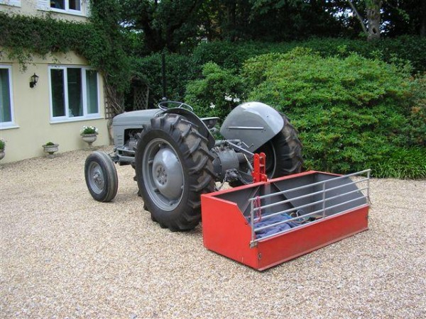 Restoration of Massey Ferguson tractors
