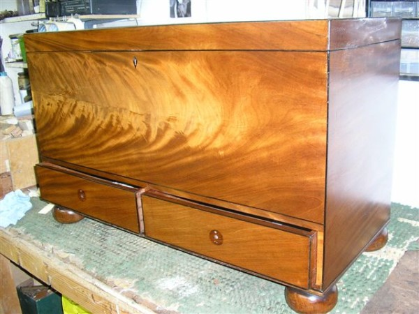 MAHOGANY BLANKET BOX - AS GOOD AS NEW