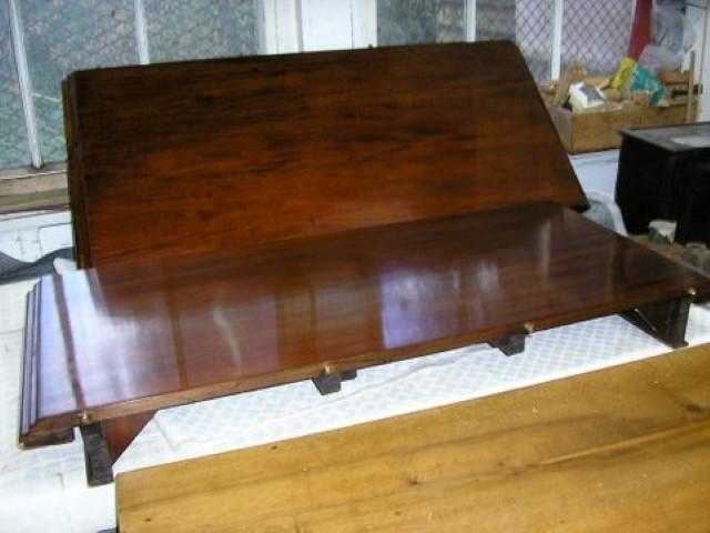 Furniture repairs Merstham